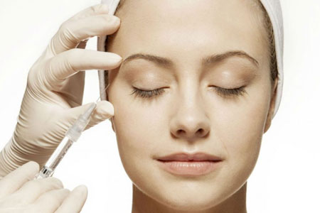 Dysport injections to treat wrinkles and fine lines